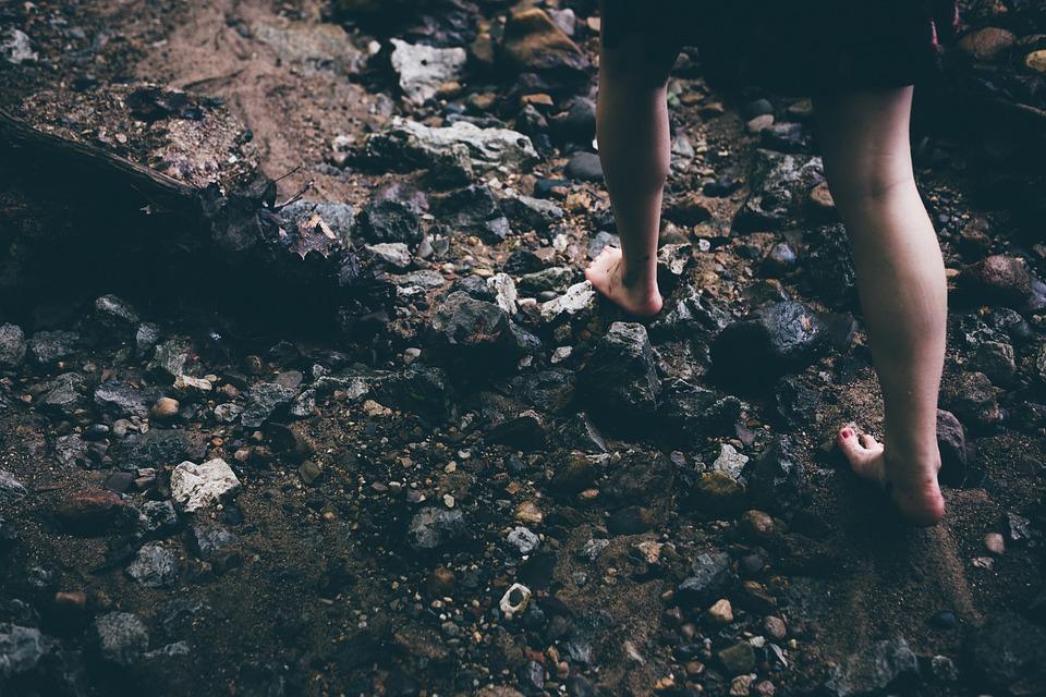 piedi-nudi-spiaggia