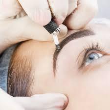 Demopigmentazione sopracciglia chemio